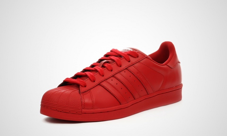 superstar toute rouge