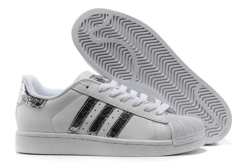 Vente Adidas Superstar Femme Noir Chaussure Boutique Offre BASKET ADIDAS  ORIGINALS Baskets Superstar - Femme - Blanc ... adidas superstar pas cher  ... 64eb12ef4dfc