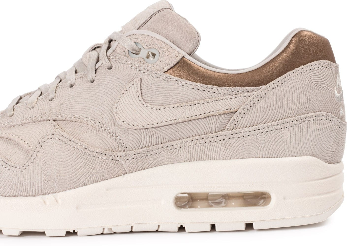 sports shoes 98835 ee5a2 Nike Air Max 1 Premium pour Femme V7804IAJ CouleurMetallic PewterSummit  BlancMetallic Pewter Nike WMNS Air Max 1 Premium, Chaussures de Gymnastique  Femme ...