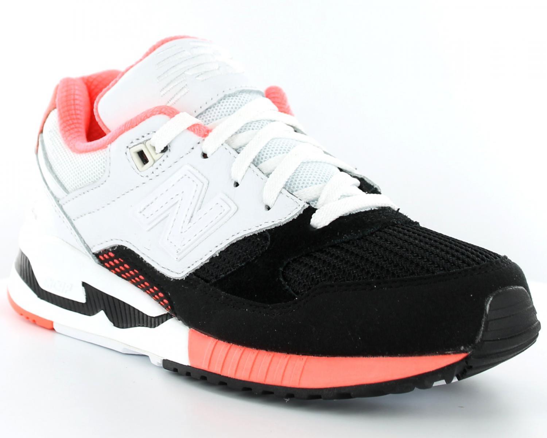 chaussures de séparation 50ab2 d0020 new balance 530 noir blanc et rose