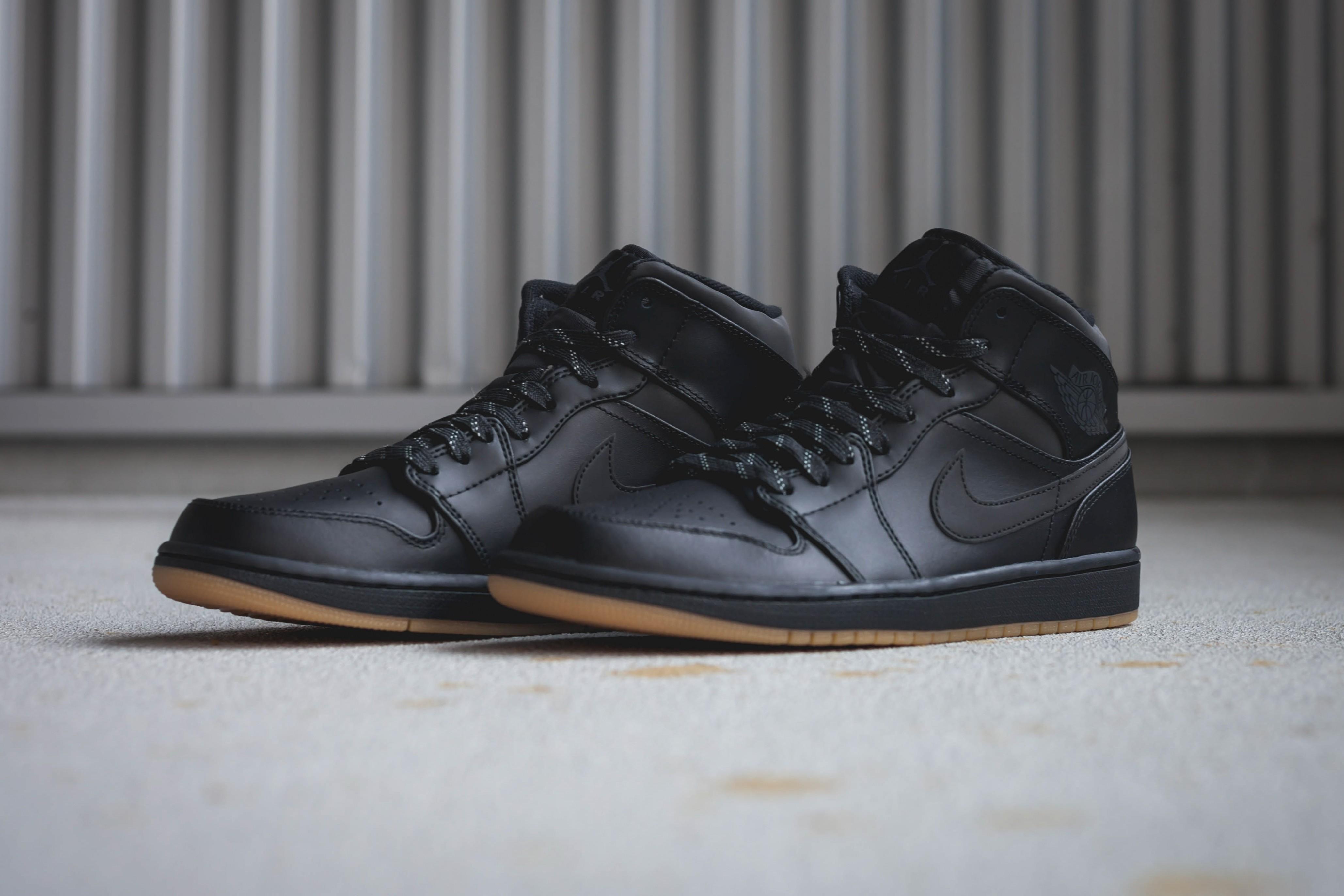 nike air jordan 1 mid blanche. Nike Air Jordan 1 Mid 12a92c122